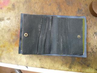 ATさん2つ折り財布�D.jpg
