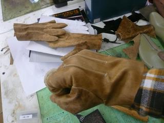 革手袋試作�H.jpg