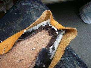 靴作り・先芯吊り込み�A.jpg