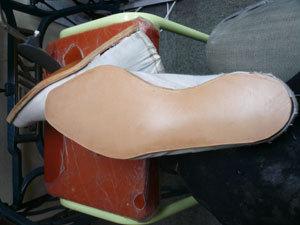 靴作り・底付け�C.jpg
