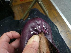 靴作り・踵吊り込み�B.jpg
